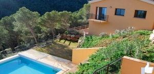 Maison jumele  Sa Tuna,Begur. 7p.,4 chambres, piscine comm.