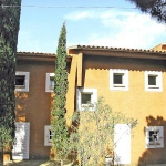 Holiday Home Los Pinos Platja d'Aro is located 3 km from the center of Platja D'Aro, 1.2 km from the sea. Interior: 2-bedroom holiday home (3 floors) with 2 living rooms, a kitchenette and 2 furnished terraces. Facilities (shared use): seasonal swimming pool (25 x 12 m, 01.06.-30.09.), parking. Points of interest: supermarket - 2 km, restaurant - 1 km, sandy beach