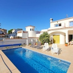 Holiday home Fluvia 2a Empuriabrava