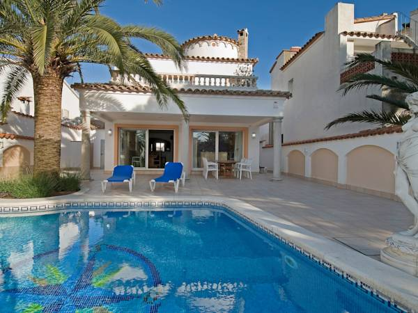 Holiday home Llobregat 41b Empuriabrava