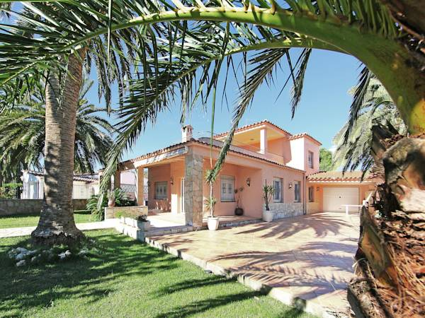 Holiday home Carmanso 76 Empuriabrava