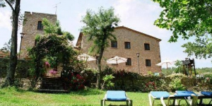 This charming hotel is set in a converted 17th-century stone mill and features an outdoor swimming pool. It has a lovely country setting by the River Muga, between the Pyrenees and the Mediterranean.