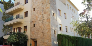 Aquarius is a self-catering accommodation located in Tossa de Mar. WiFi access is available.