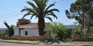 Holiday home Mas Pere 10 Calonge is a house on 2 levels 3 km from the centre of Calonge. The accommodation has its own fireplace and garage.