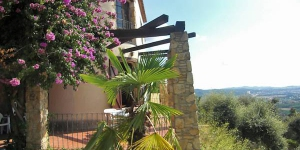 Holiday Home Cabanyes N2 Calonge is a 3-room terraced house on 2 levels. It is located in the Vizcondado de Cabanyes, 3 km from Calonge.