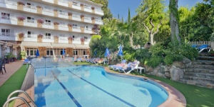 The Hotel Neptuno is a nice hotel with a big garden, a place where you can really enjoy your vacation. It is a perfect place for families and children are very welcome.