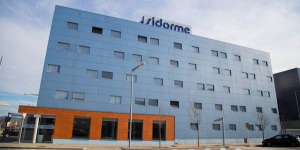 Situated next to Girona's Espai Gironès Shopping Center, the Sidorme Girona has easy access to Highway A-7 and Girona Airport. It offers free parking, free Wi-Fi and free coffee.