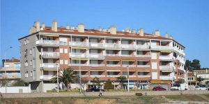 Located in L'Escala, Apartment Terraza De Mar offers an outdoor pool. Accommodation will provide you with a balcony.