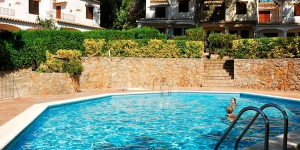 Set in a tranquil residential area is L'Estartit, Torre Bonica boasts an outdoor pool, garden and terrace. The beach is 4 km from the property.