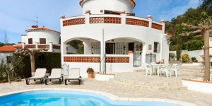 Located in Calonge, Villa Calonge 1 offers an outdoor pool. This self-catering accommodation features WiFi.