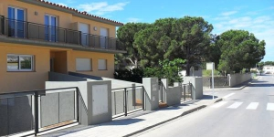 Holiday Home L'Escala Girona is located in L'Escala. The accommodation will provide you with a balcony.