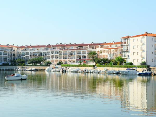 One-Bedroom Apartment Empuriabrava Girona 4