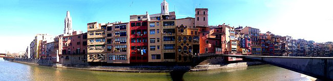 Colour houses along the Onyar river, in Girona