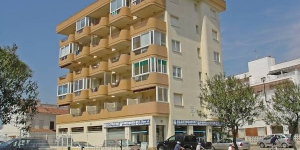 "This apartment block ""Nice 5 C"" consists 6 storeys. It is located 3 km from the centre of Roses, 1 km from the sea."
